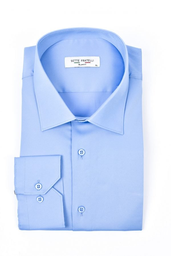 Ljusblå skjorta